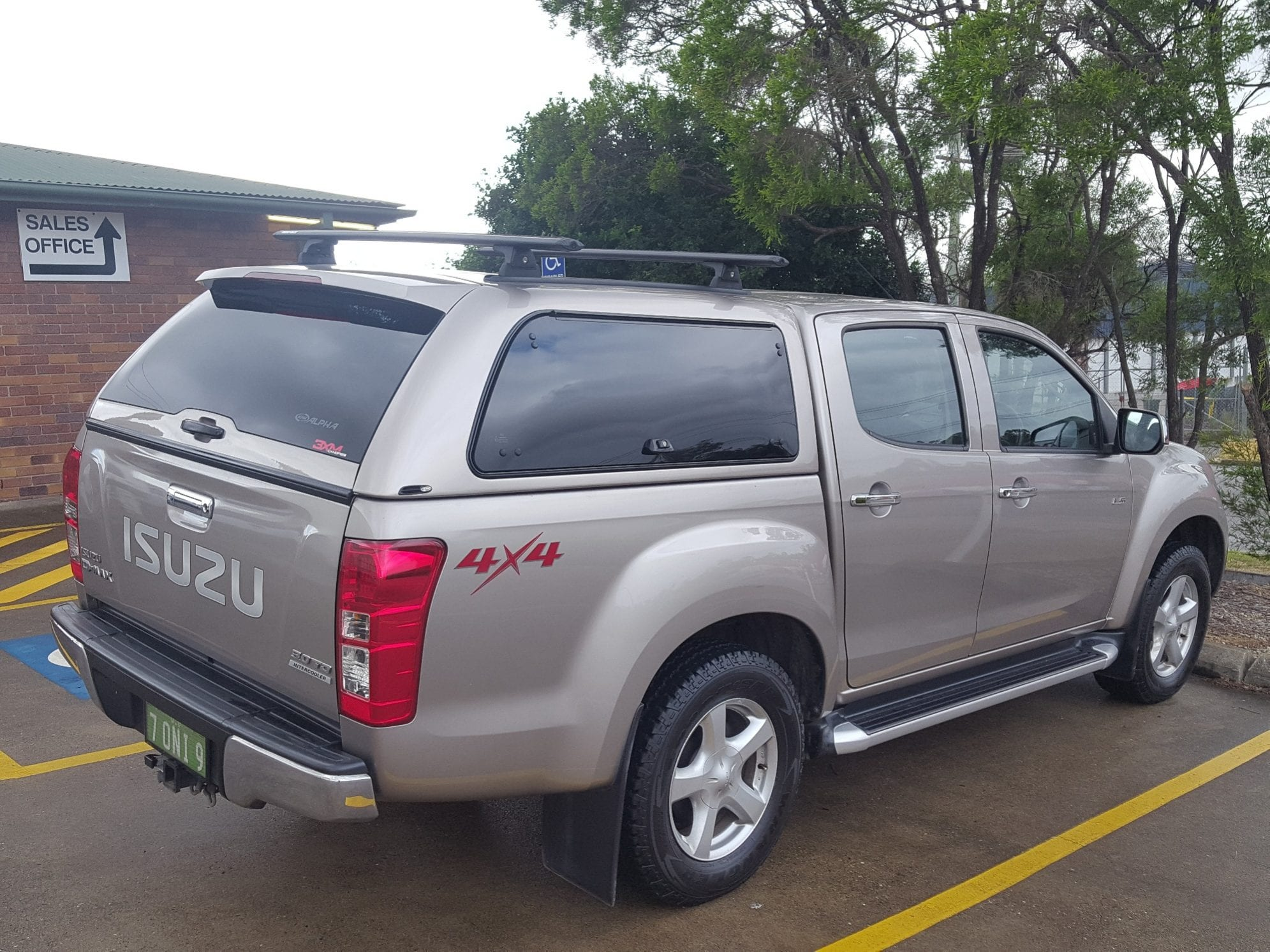 Isuzu Canopies in Brisbane